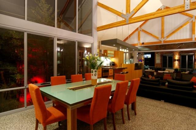 Narrow lot dining area